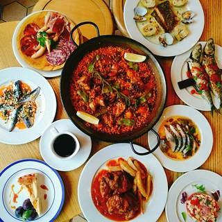 現代的なエッセンスを取り入れた現地で学んだ南スペイン料理!