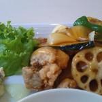 彩 和食ダイニング - メインの鶏唐揚黒酢かけ