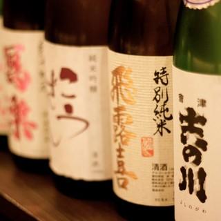 """あえて新潟と福島の品を厳選。唎酒師のオーナー推薦の""""日本酒"""""""