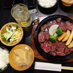 肉が一番 - テンダーステーキ定食 300g 1,200円。