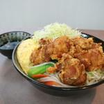 ラーメンとんとん - 【10月限定】野菜炒め入り 国産若鶏の唐揚げ丼