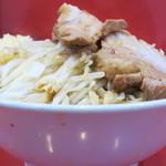 ラーメン二郎 - 料理写真:ラーメン小+ニンニク多め
