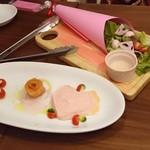 個室×カフェ&チーズバル dolloom - 前菜とサラダ可愛い~(^-^)