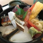 93552888 - 敦賀海鮮丼税込2354円♤少しもらったイカ美味しかった〜〜(^^)♡
