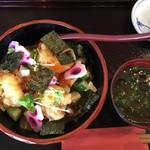 93552897 - どんと丼税込1404円♤海鮮漬新鮮で美味しい(^^)♡小海老天もプリプリ
