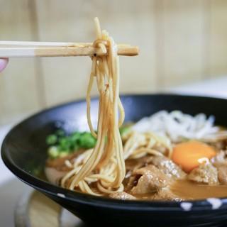 ラーメン東大 - 料理写真:中細ストレート