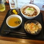 おぼや - 牛すじ温玉丼980円