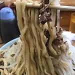 93567734 - 【2018.9.22】加水率低めの太麺。