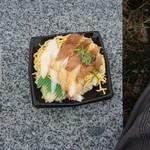 十六家 - 料理写真:ヒラメえんがわ丼