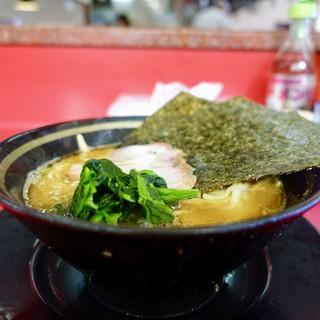 家系ラーメン王道 いしい - 料理写真:[2018/08]ラーメン・麺固め(650円)