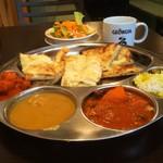 New Delhi Spice - カレーバイキング。カレー 3種、ナン4種が食べ放題。チキンティッカ、サラダ、スープ、ドリンク付き。