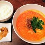93576468 - 四川タンタンメンセット900円(税込み)、麺大盛り+100円(税込み)