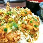 肉屋食堂 たけうち - 鶏モモ肉ネギニラソース定食・肉増し 1000円