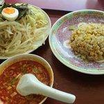 9358276 - 「坦々つけ麺と半チャー飯のセット @880円」