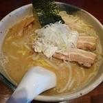 麺や 炙 - 料理写真:とんこつ味噌(800円)