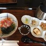 海鮮丼 とろ作 - 海鮮丼のセット