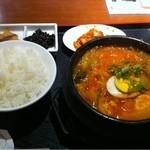 みなり - マンドゥチゲ定食