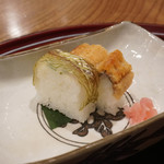 日本料理 とくを - 焼き鱧、鯛のお寿司