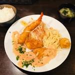 洋食 ツバキ亭 - 本日の日替り ミックスフライ(1,100円)