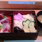 桜すし - 料理写真:桜すし 葛西店 ランチ 上ちらし 税込800円 しゃり少な目でお願い