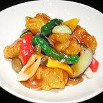 華琳 - 豚ヒレ肉を使った酢豚。「黒酢味」も人気です!!