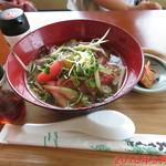 ローストビーフ丼いがらし - ローストビーフ冷麺 \800