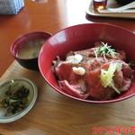 ローストビーフ丼いがらし - ローストビーフ丼(生卵無し) \800