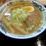 麺屋 たいちゃん - 料理写真:塩ラーメン750円