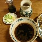 93606831 - つけ麺のつけ汁・薬味・割りスープ