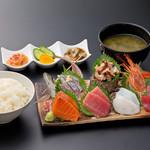 浜焼き しんちゃん - 豪華お刺身定食   2300円