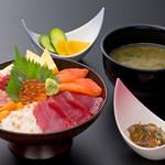 浜焼き しんちゃん - 贅沢海鮮丼セット   1780円