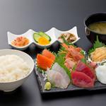 浜焼き しんちゃん - 贅沢お刺身定食   1780円