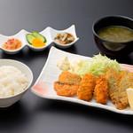 浜焼き しんちゃん - ミックスフライ定食   1100円