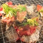 七輪焼肉SASAYA - タン。片面焼きらしい