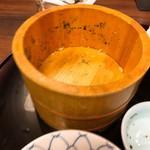 石蔵 - 小さいお茶碗3杯分