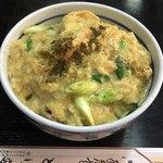 とり安 - 親子丼  ¥880