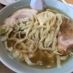 榮ラーメン - 麺 アップ