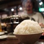 焼肉革命 牛将 - ライス山盛り200円はかなりでかいです。