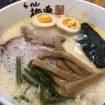 らーめん桃源 - 料理写真: