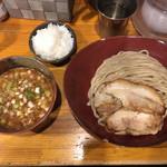 93634552 - カレーつけ麺 大 チャーシュー