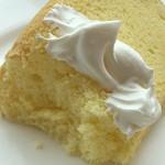 カフェイチハチロクキュウ バイマルゼン - バニラシフォンケーキのアップ