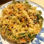 蕎麦六本 - 海老と小柱のかき揚げ