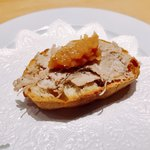 ラ キュイジーヌ ド カワムラ - 豚のリエットにリンゴのピューレ様