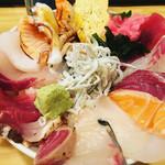 神東寿司 - 海鮮丼500(税別)