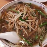 中国料理 牡丹飯店 - 豚肉とニラの香りラーメン。いまりちゃんとシェアしました。かなり気に入ってました。
