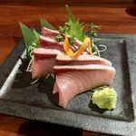 牡蠣貝鮮かいり - ぶりの刺身