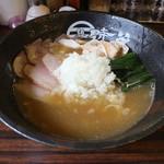 麺屋時茂 - 鶏白湯ラーメン 醤油(850円、斜め上から)