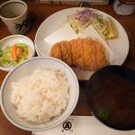 93659264 - ロースカツ定食