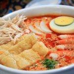 新東記 - 看板商品、ラクサ!シンガポール人が一番愛してるカリー麺!