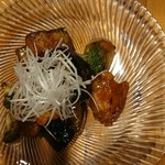 酒菜 ひだりうま - ナスと軍鶏の味噌炒め